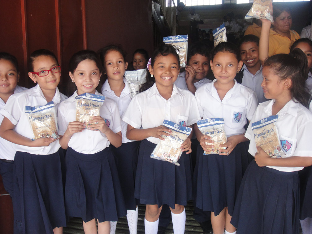 NICARAGUA: Youth and Elderly Have Access to Better Nutrition Thanks to Recent Rice-meal Donation