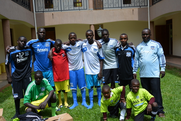 UGANDA: Students Receive Soccer Equipment and Rice Meals in Recent Stop Hunger Now Donation