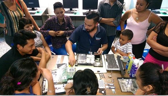 EL SALVADOR: Youth Get Technical, Entrepreneurship Skills for Long-Term Employment