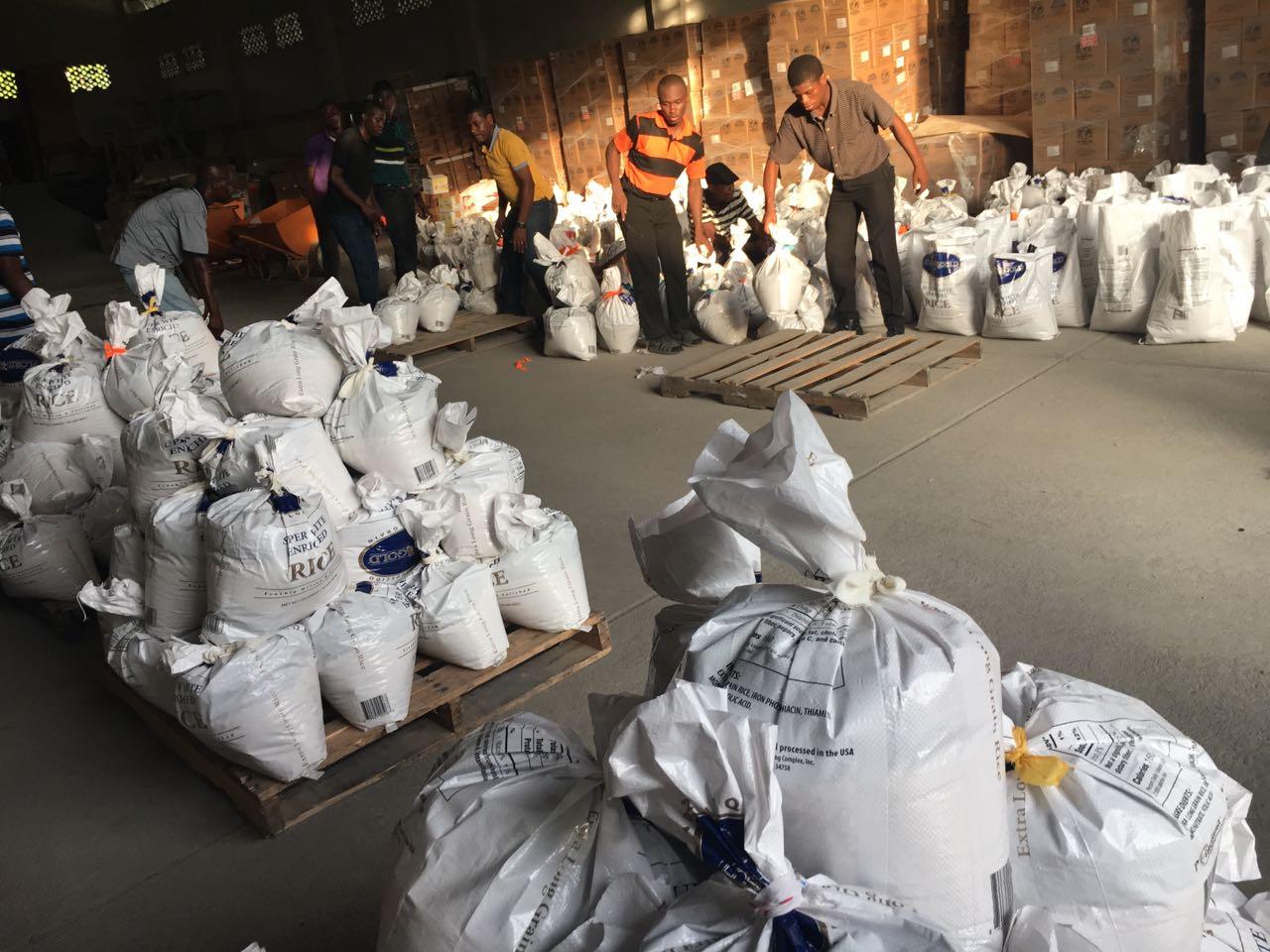 HAITI: Missionaries Distribute Survival Kits, Fear Cholera Outbreak