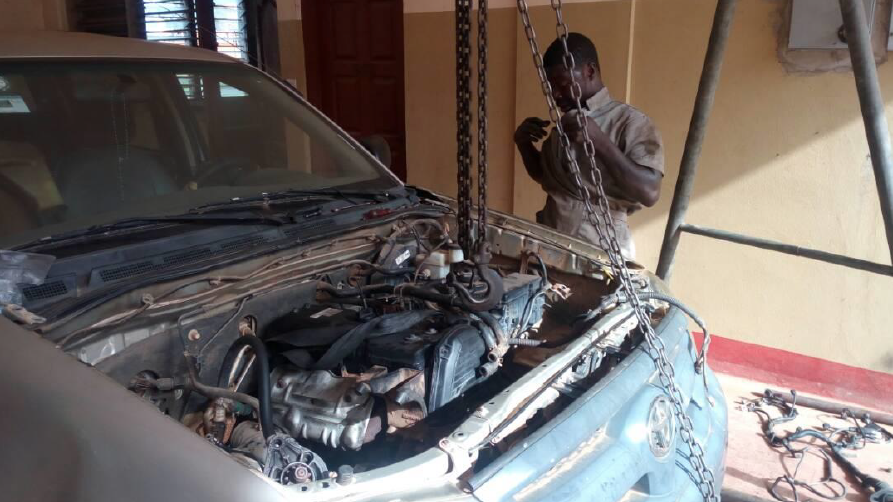 GHANA: Salesian Missionaries Complete Project to Repair Truck for Transportation for Salesian Programs