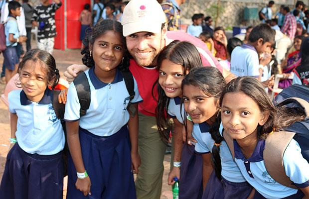 india slum girl INDIA: Italian donor provides funding for school for 60 children living in Indian  slum